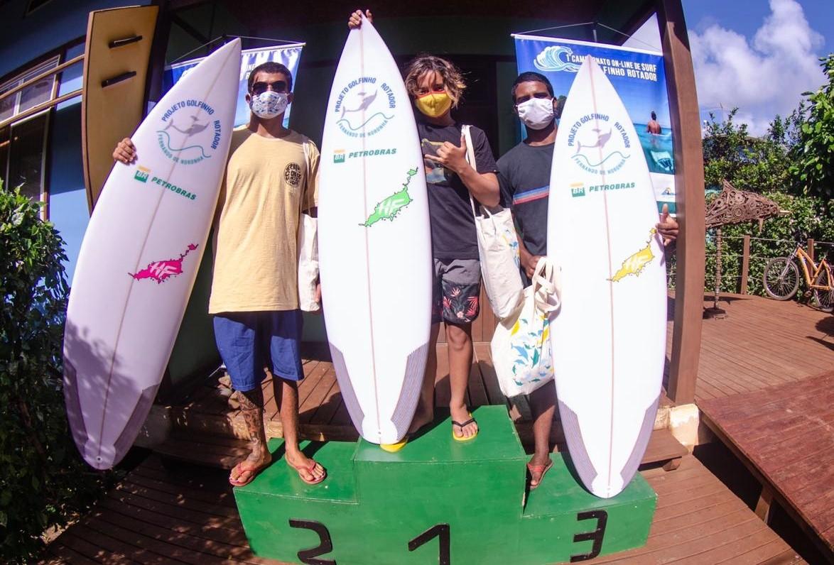 Vencedores do 1º Campeonato Online de Surfe de Noronha são premiados
