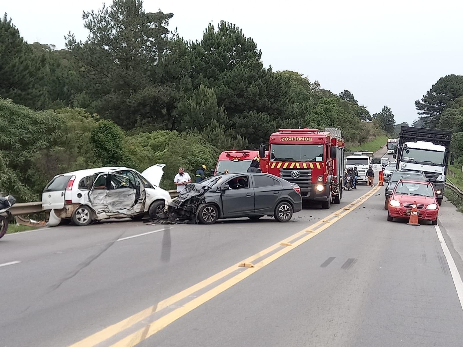 Homem e mulher ficam feridos em acidente no Contorno Norte, em Curitiba