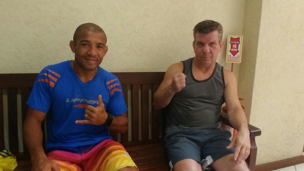 José Aldo e Dedé Pederneiras: treinador quer que lutador faça o que o faz feliz (Foto: Raphael Marinho)