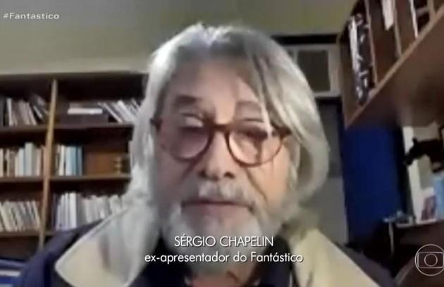 Sérgio Chapelin apareceu no 'Fantástico' para homenagear José-Itamar de Freitas, ex-diretor do programa, com quem ele trabalhou (Foto: Reprodução)