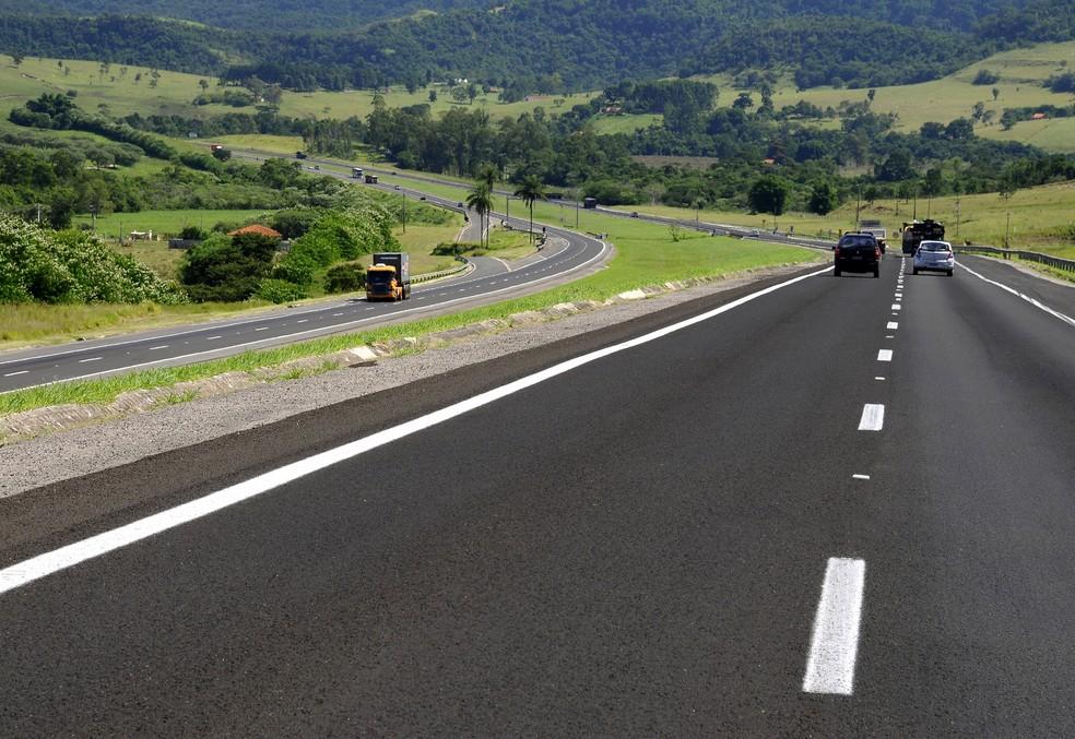 Trecho localizado em Porangaba no km 172 — Foto: Digna Imagem/Clóvis Ferreira/Divulgação