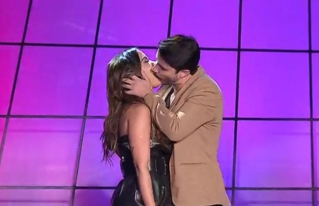 Anitta foi surpreendida com um beijo do músico Leandro Martins durante o Prêmio Multishow, em setembro (Foto: Divulgação)