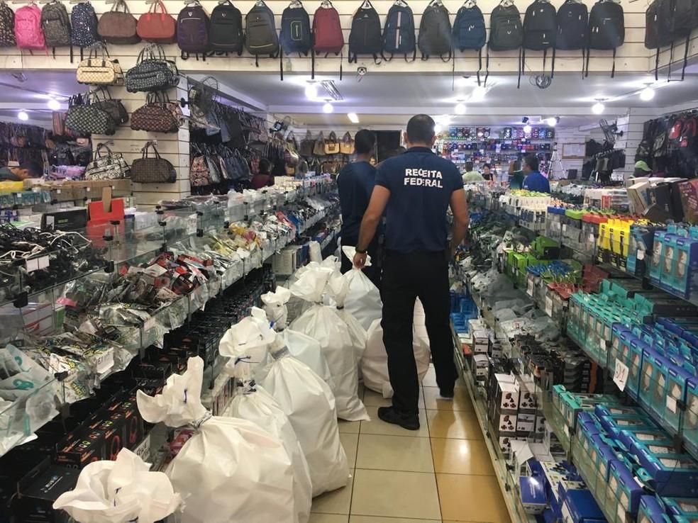 Operação da Receita Federal em lojas de Salvador  — Foto: Receita Federal/Divulgação