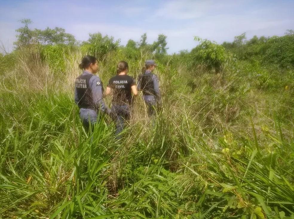Corpo de estudante foi encontrado em matagal em Tangará da Serra — Foto: Tangará em foco