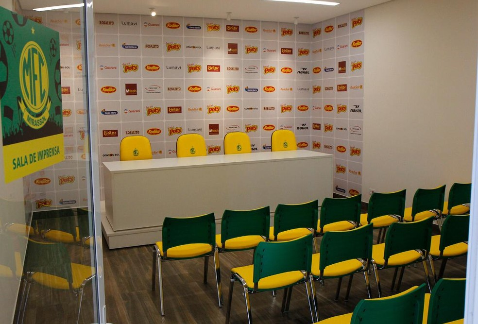 Local ainda tem sala de imprensa — Foto: Rodrigo Corsi / FPF