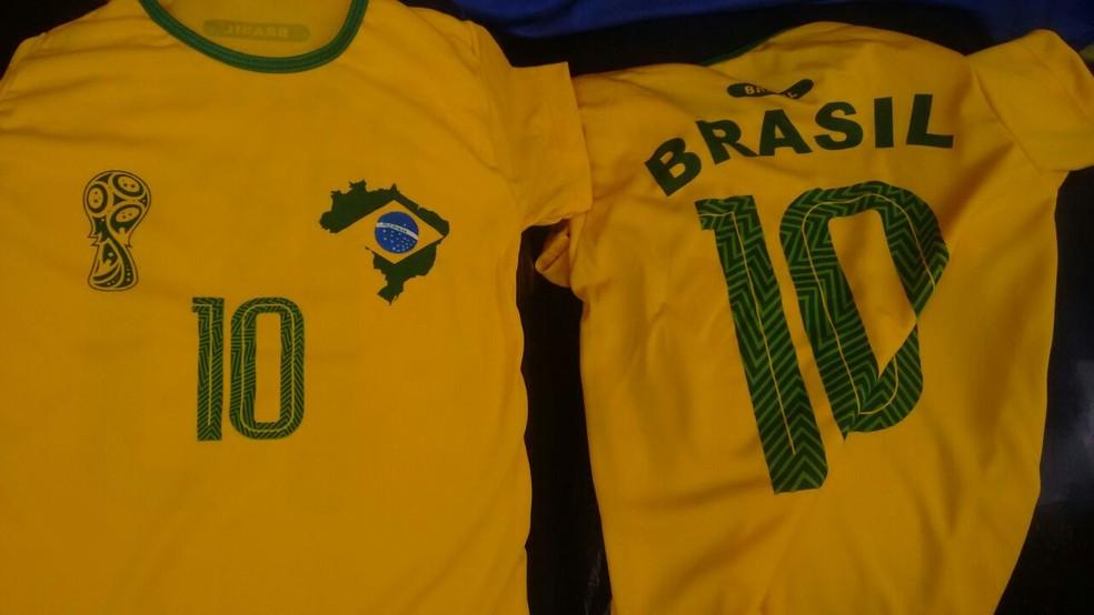 Camisas eram vendidas por R$ 50 (Foto: Polícia Civil/ Divulgação)