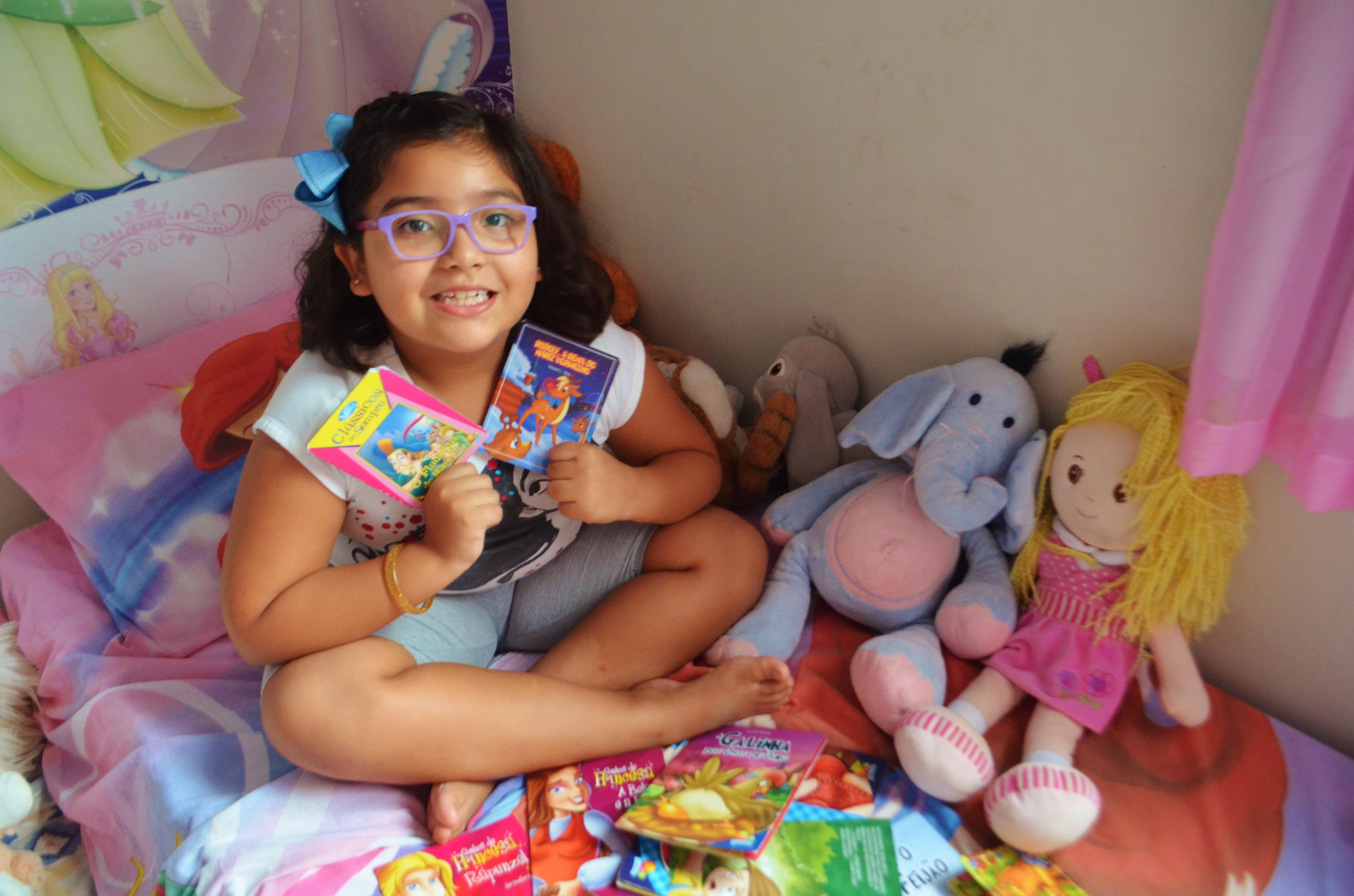 Estudante do AP, de 7 anos, é alfabetizada e lê mais de 25 livros em menos de um ano