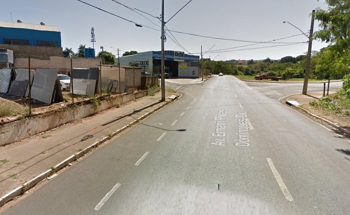 Motorista é preso por embriaguez ao volante ao invadir calçada em Rio Preto