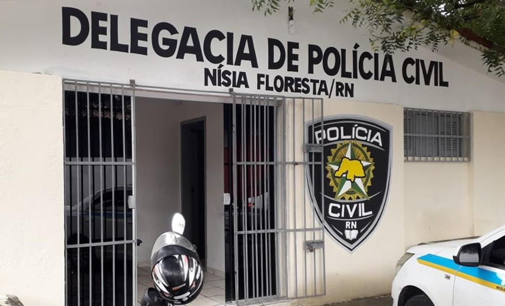 Pintor foi ouvido na Delegacia de Polícia Civil de Nísia Floresta  â?? Foto: Klênyo Galvão/Inter TV Cabugi