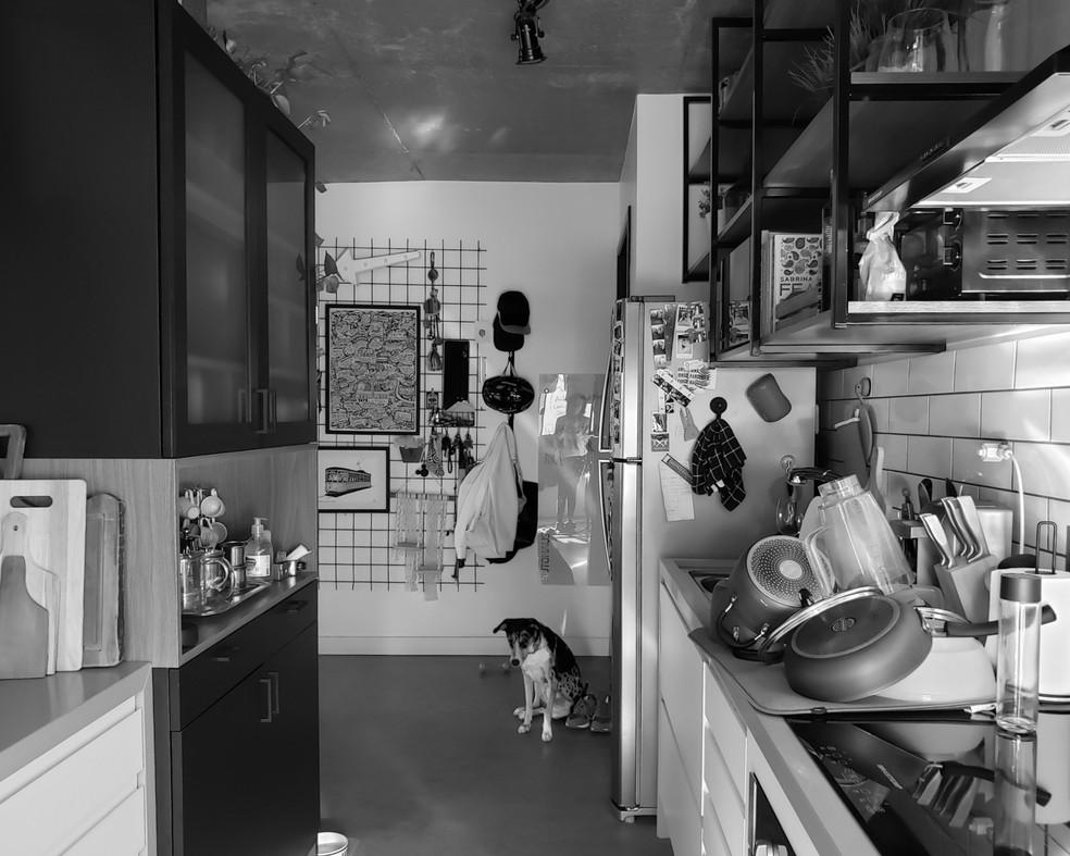 O instagram Habitar a Quarentena recebe relatos de como as pessoas estão se relacionando com as casa durante o isolamento social — Foto: Camila Pigatto/Arquivo Pessoal