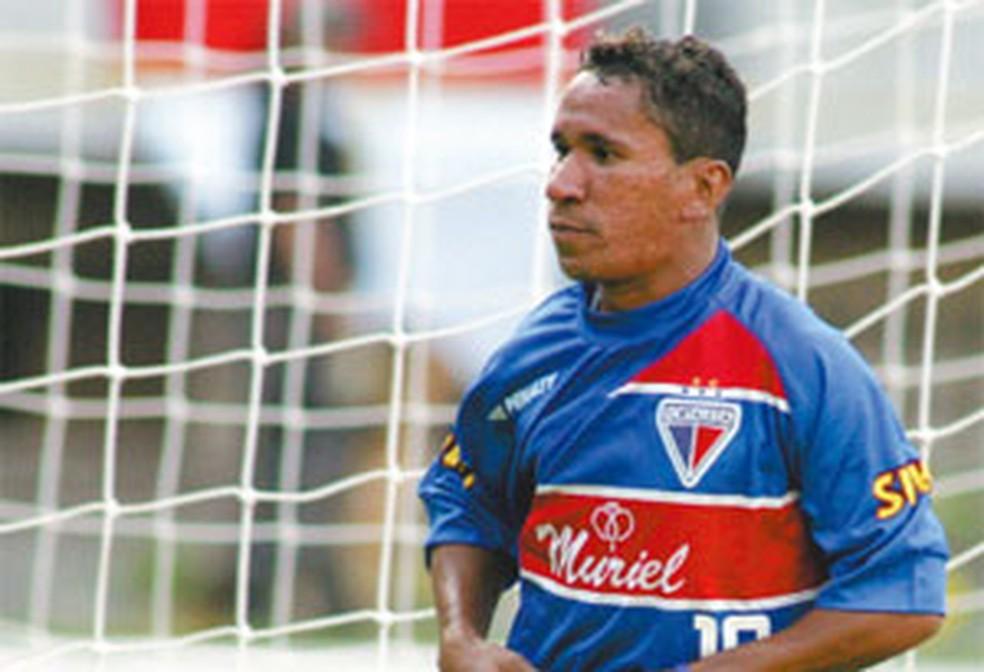 Em 2002, Clodoaldo era um dos cearenses do elenco tricolor (Foto: Kiko Silva/Agência Diário)