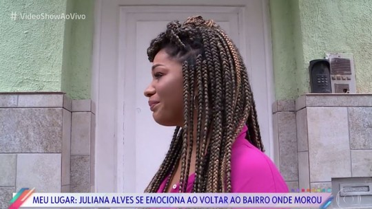 Juliana Alves se emociona ao voltar ao bairro onde morou: 'A equipe do BBB veio me buscar aqui'