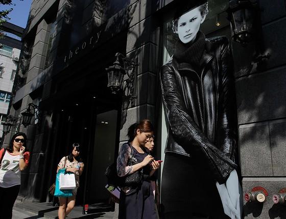 """Rua no bairro de Gangnam, em Seul, que ganhou fama internacional em 2012 em razão do hit do cantor PSY, """"Gangnam Style"""" (Foto: KEVIN WINTER/GETTY IMAGES)"""