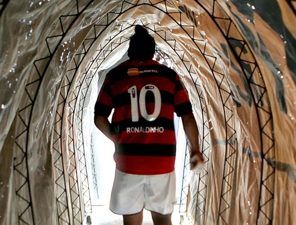 10 anos da contratação de Ronaldinho Gaúcho pelo Flamengo