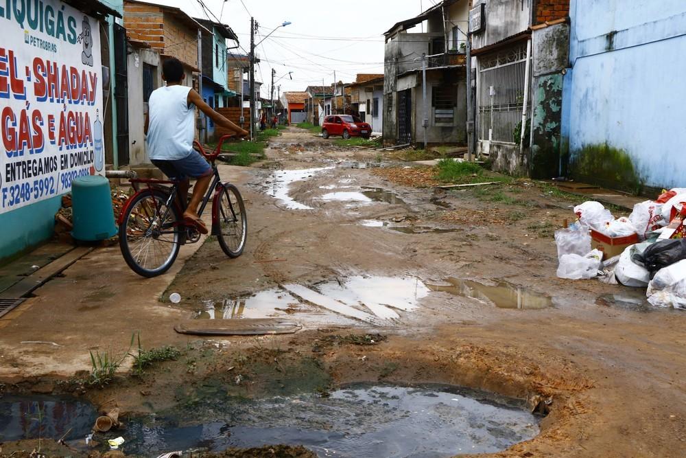 Fortaleza e cidades do interior receberão R$ 439 milhões para obras de esgoto e distribuição de água