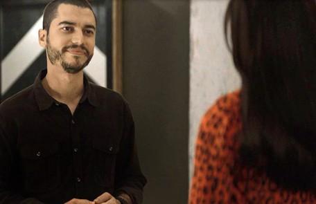 Na quarta (6), Camilo (Lee Taylor) vai quebrar todos os cartões de crédito de Vivi (Paolla Oliveira) Reprodução