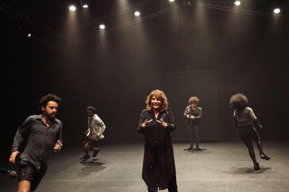 Espetáculo teatral 'Preto' estreia nesta quinta-feira (2), em Curitiba (Foto: Nana Moraes/Divulgação)