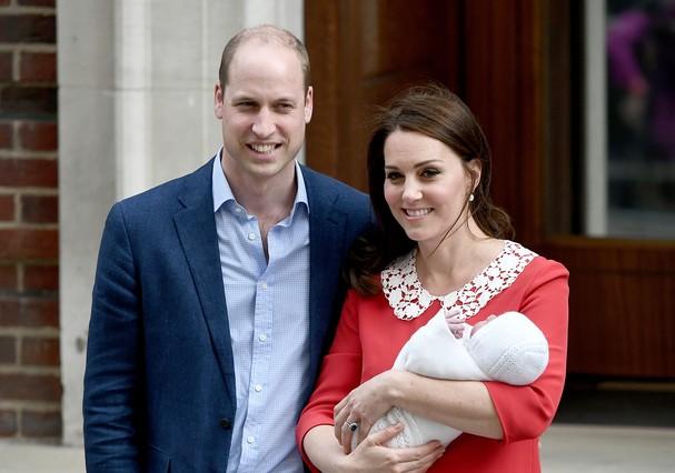 William e Kate com o terceiro filho (Foto: Getty Images)