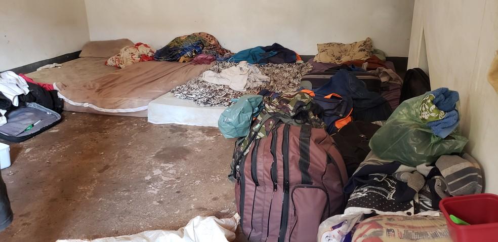 Trabalhadores viviam em condições precárias — Foto: Divulgação/SRTb -GO