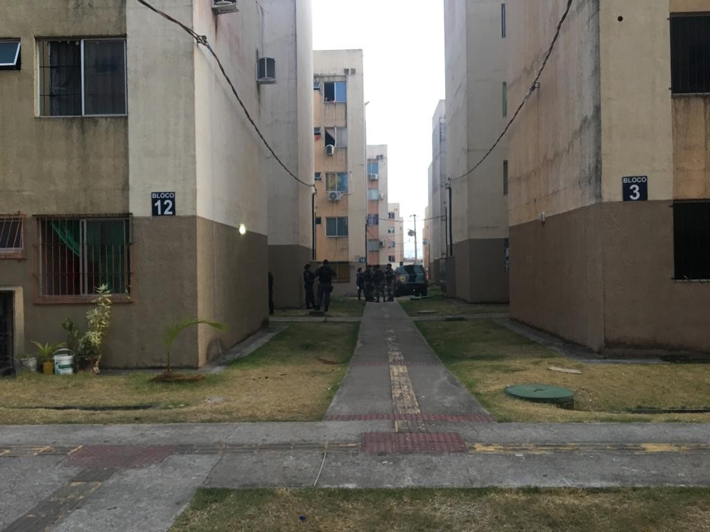 Homem armado faz refém em apartamento do Conjunto Açucena, em Macapá - Notícias - Plantão Diário
