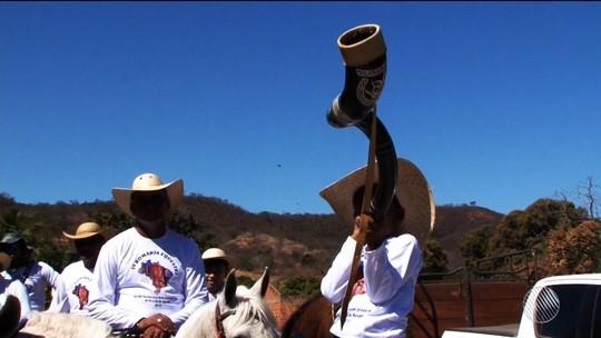 Vaqueiros de Santo Desidério realizam procissão até Bom Jesus da Lapa