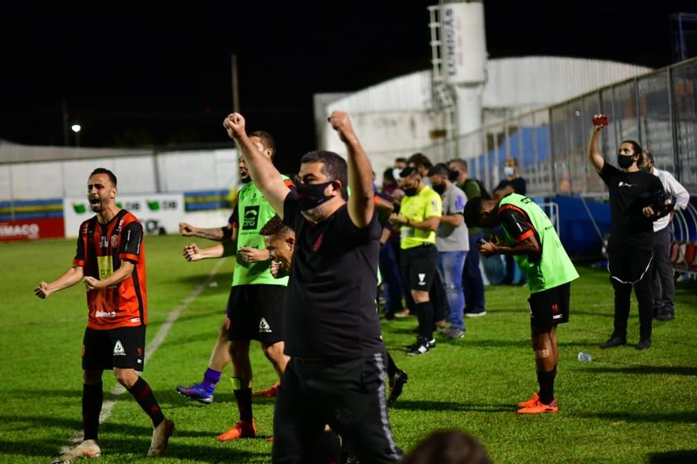 Pouso Alegre vence a URT nos pênaltis e conquista o Troféu Inconfidência — Foto: Chiarini Jr/PAFC