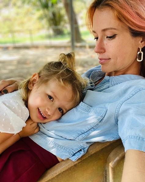 Juliana Didone e a filha, Liz (Foto: Reprodução)