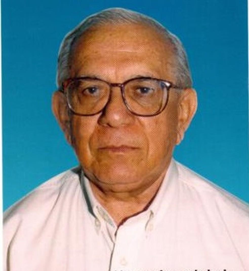 Waldir Lopes de Castro realizou serviços pastorais e recebe fama de santidade após sua morte, em 2001 — Foto: Reprodução