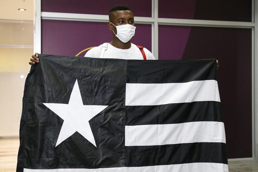 Kalou chegou ao Rio de Janeiro no meio de agosto de 2020 — Foto: Vitor Silva/Botafogo
