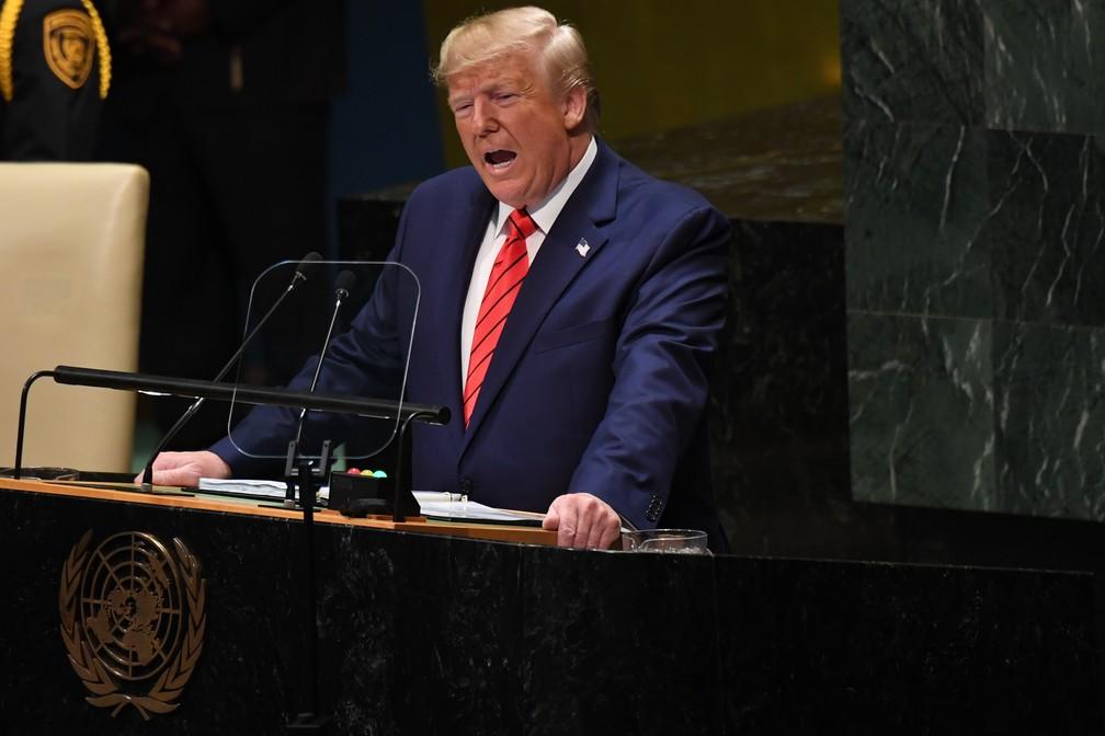 O presidente americano, Donald Trump, discursa no debate da Assembleia Geral da ONU, nesta terça (24). — Foto: Saul Loeb/AFP