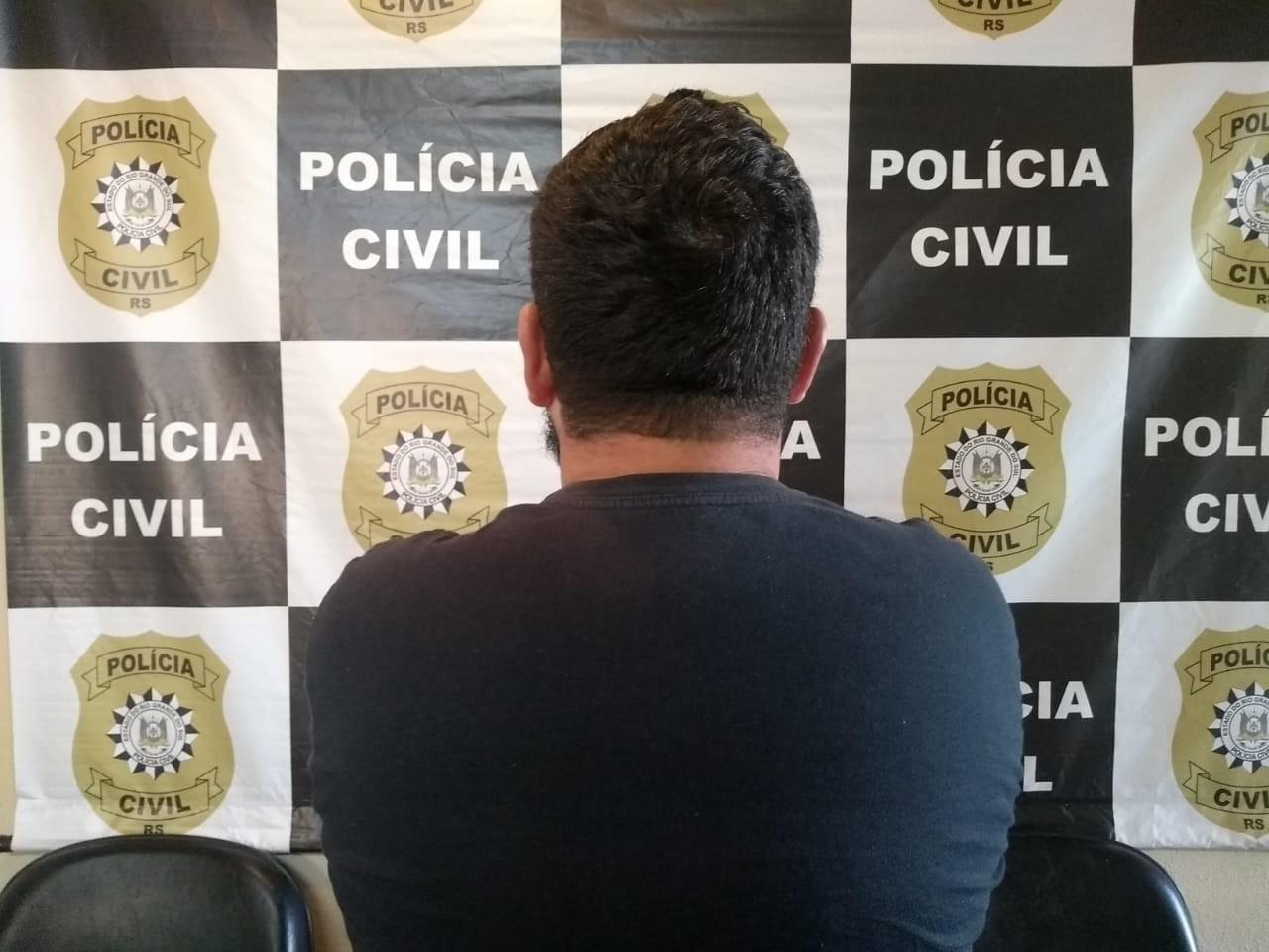 Polícia prende agente penitenciário flagrado agredindo a mulher na rua em Lavras do Sul - Notícias - Plantão Diário