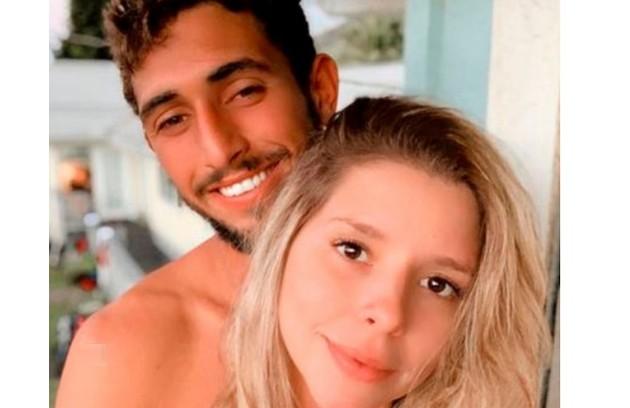 Lucas Chumbo namorou há alguns anos com a promoter Manu Maya, filha do diretor de TV Wolf Maya (Foto: Reprodução)