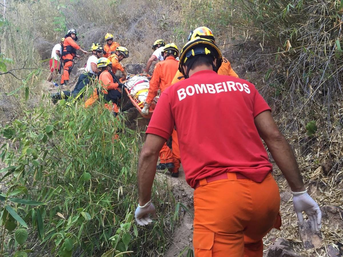 Menina de 12 anos morre ao cair de cachoeira no DF