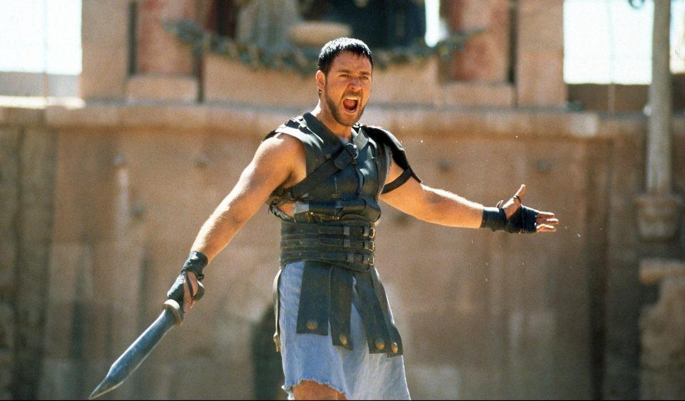 Diretor Ridley Scott revela estar trabalhando em roteiro de sequência de  'Gladiador' - Monet | Filmes
