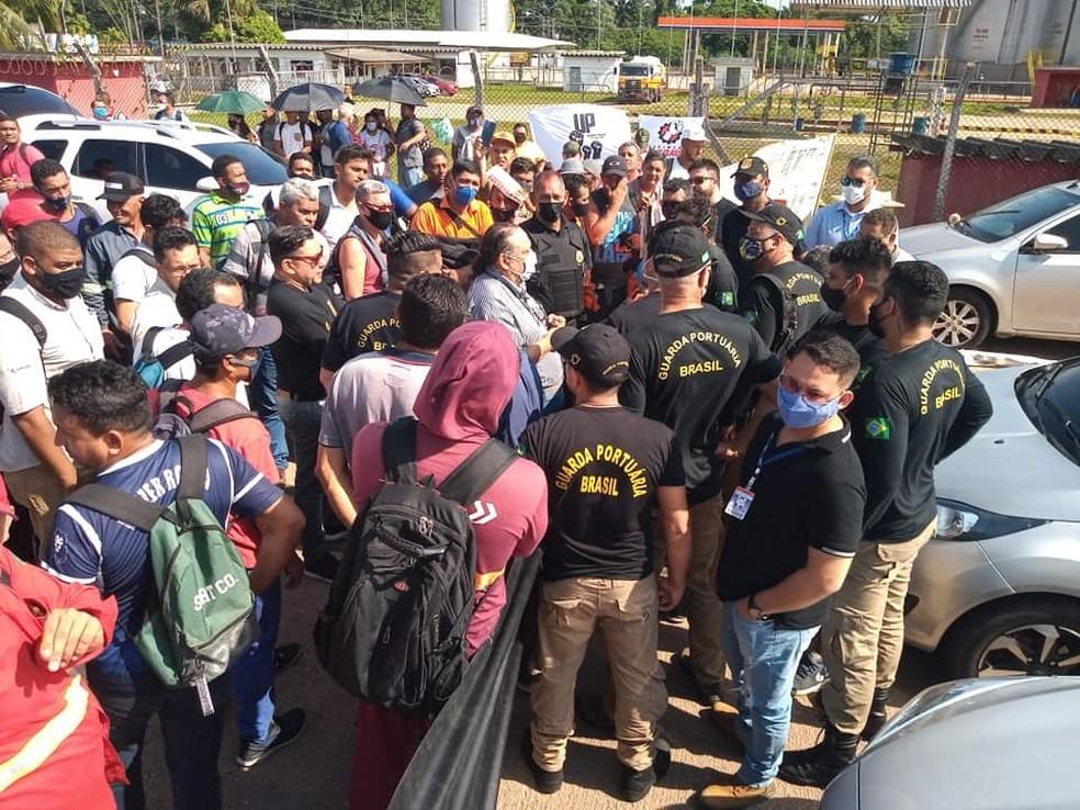 Categoria reuniu com representantes da Diretoria da CDP e decidirá sobre rumos da greve — Foto: Divulgação/Sindiguapor