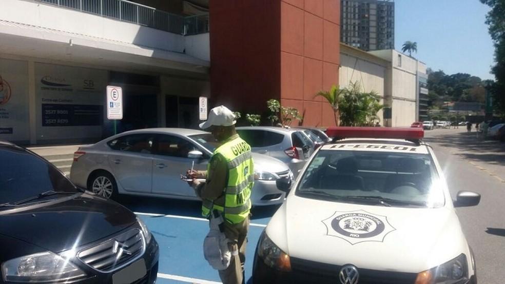 GM-Rio emitiu mais de 2 multas para estacionamento indevido em vagas especiais no Rio em 2017 (Foto: Divulgação)