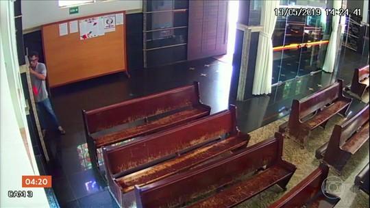 Homem é preso suspeito de furtar R$ 300 da catedral de Itumbiara; vídeo mostra crime