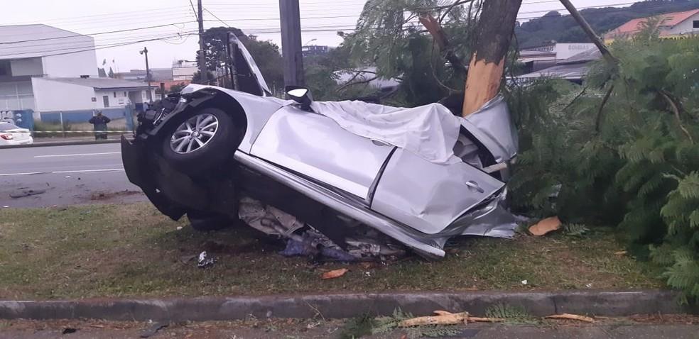Motorista estava acima da velocidade permitida no trecho, segundo a PRF  â?? Foto: Divulgação/PRF