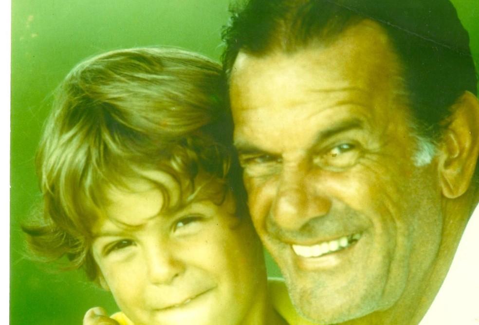 Telê Santana e o neto Diogo — Foto: Arquivo Pessoal