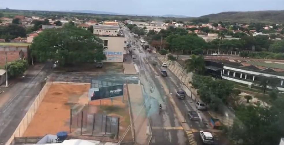 Equipes cumpriram três mandados de prisão e cinco de busca e apreensão — Foto: Polícia Civil / Reprodução de vídeo