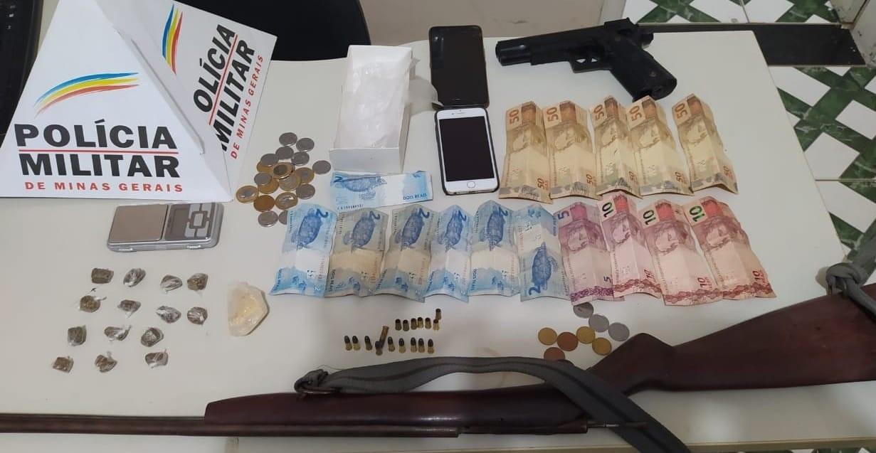 Dois jovens são presos por tráfico de drogas no Centro de Berizal