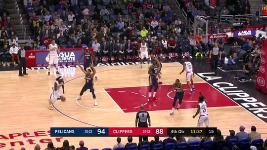 Com 46 pontos de Anthony Davis, Pelicans seguram vantagem no fim e batem Clippers