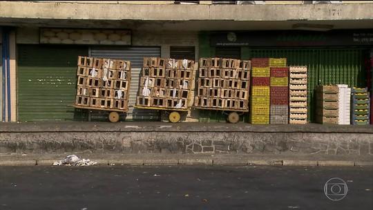 Greve dos caminhoneiros afeta abastecimento e causa alta de preços