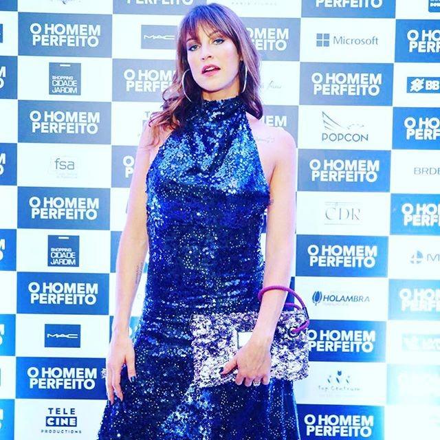 Luana Piovani na pré-estreia do filme O Homem Perfeito (Foto: Reprodução/Instagram)