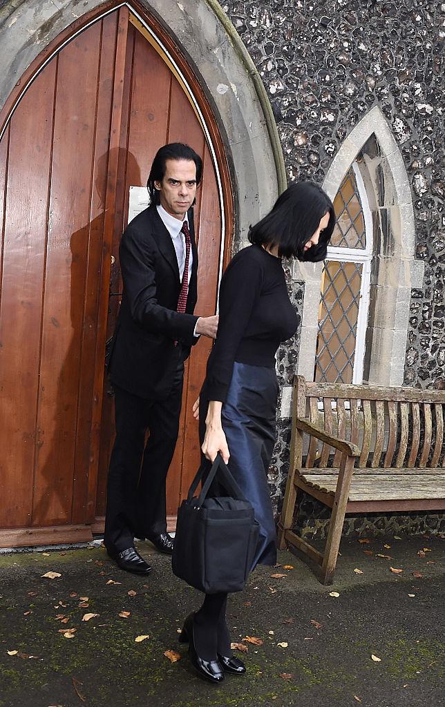 Nick Cave e a esposa Susie Bick após a morte do filho Arthur em 2015 (Foto: Getty Images)