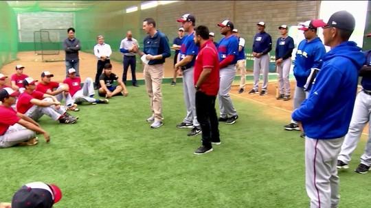 Técnicos do beisebol americano tentam formar atletas no Brasil