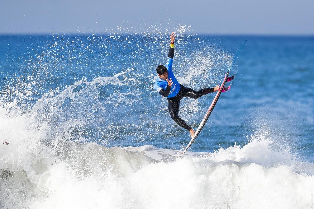 Gabriel Medina voa na final em em Portugal (Foto: Divulgação/WSL)