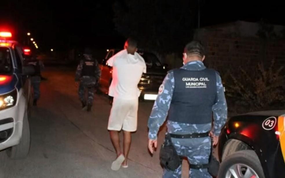Festa com mais de 100 pessoas em casa de evento é interrompida oeste da Bahia; local foi interditado. — Foto: TV Bahia / Reprodução
