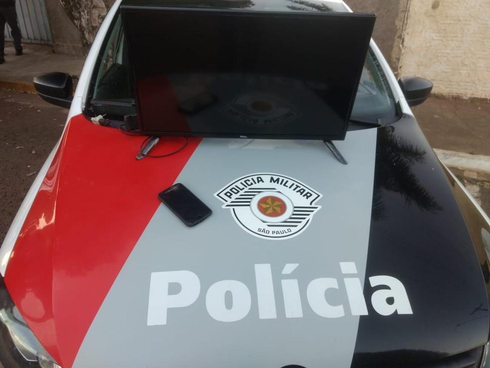 Televisão do idoso foi recuperada pela polícia (Foto: Birigui Notícias)