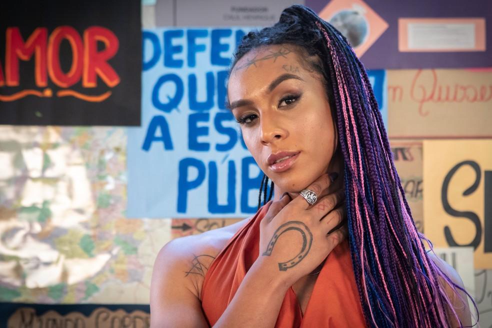 Linn da Quebrada em evento de lançamento de 'Segunda chamada' — Foto: Celso Tavares / G1